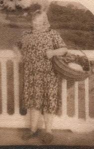Gertrūdos mama Marytė Cikanauskienė kilusi iš Lesčiūnų kaimo.
