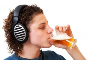 Reikia pripažinti, kad dalis jaunimo iš dyko buvimo laiką leidžia ir vartodami alkoholį...