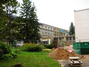 Tikėtina, jog Rugsėjo 1-osios rytą gimnazijos kieme neliks nei statybinių atliekų, nei sąšlavų krūvų.