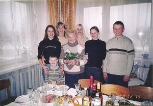 Valerija Grigaliūnienė tarp anūkų.