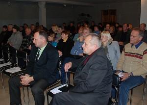 Į susitikimą atėję gyventojai pateikė daug klausimų.