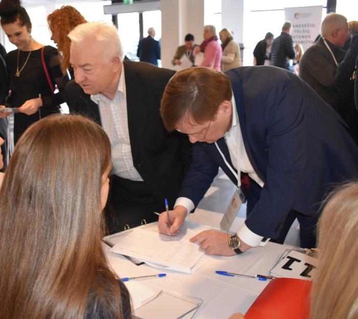 Tarp partijos steigėjų - ir buvęs Seimo pirmininkas Vydas Gedvilas.
