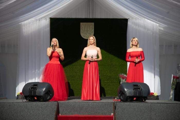 """Renginyje koncertavo į grupę """"La Forza"""" susibūrusios žinomos dainininkės Neringa Nekrašiūtė, Renata Norvilė, Vaida Genytė."""