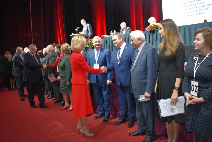 Išrinktas naujosios partijos prezidiumas, tarp kurių ir rajone žinomi veidai - Gintarė Preikšaitienė, Janina Greiciūnaitė, Jonas Pinskus, Petras Čimbaras, Sigitas Bankauskas.