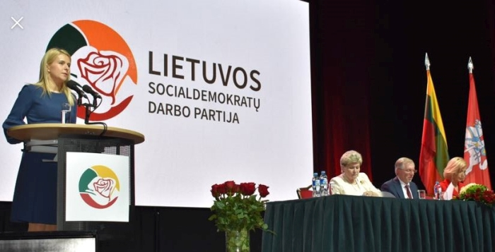 Tikslius steigiamojo LSDDP suvažiavimo skaičius pristato mandatų komisijos pirmininkė Ingrida Baltušytė-Četrauskienė.