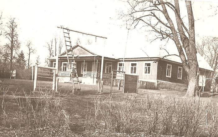 Gal kada nors Juodiškių dvaras (buvusios Juodiškių mokyklos centrinis pastatas) bus restauruotas, atgaivintas ir pritaikytas kultūros, edukacijos bei socialiniams poreikiams?