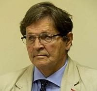 Mokytojus šokiruojantį siūlymą pateikė Seimo Švietimo ir mokslo komiteto pirmininkas Eugenijus Jovaiša su dar penkiais Lietuvos valstiečių ir žaliųjų sąjungos frakcijos kolegomis.