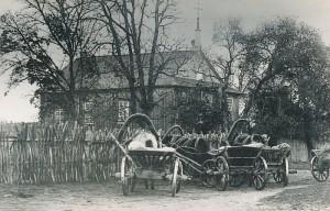 Šv. Mikalojaus (senoji) bažnyčia Kernavėje. Autorius nežinomas, apie 1900m. N. Švogžlys, Kernavės bažnyčios istorija, XXa. ketvirtasis dešimtmetis. Kaišiadorių vyskupijos kurijos archyvas