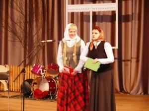 Renginio vedėjoms iš Ukmergės Agotėlei ir Dėdenytei kalbos netrūko...