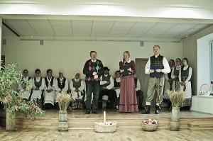 """Pirmasis renginys - """"Derliaus šventė Kernavėje 2012""""- naujoje Kernavės filialo salėje įvyko pernai rudenį."""