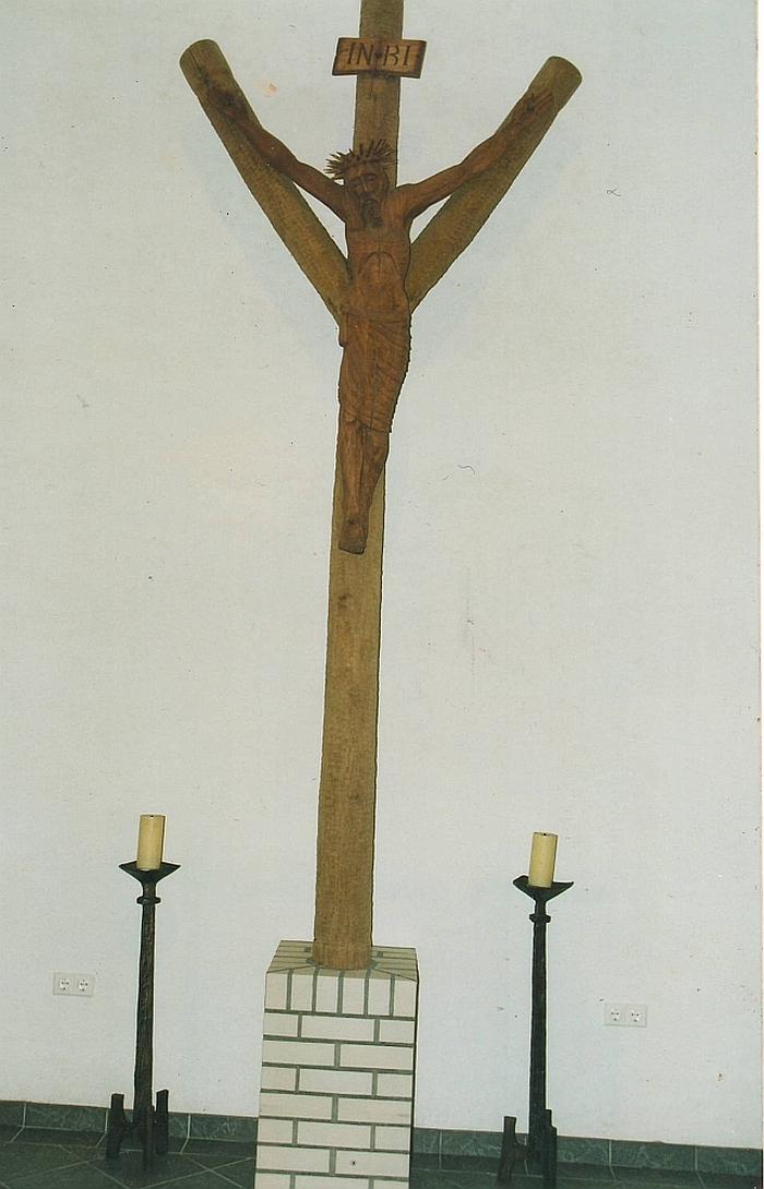 Kryžius, su 145 centimetrų Nukryžiuotoju, iškeliavo į Vokietiją.