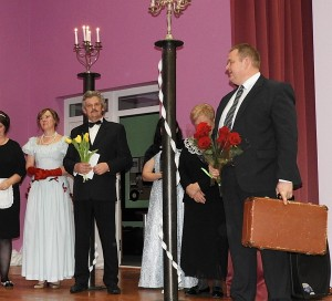 Scenos entuziastus pasveikino laikinai einantis Zibalų seniūno pareigas Sigitas Bankauskas.