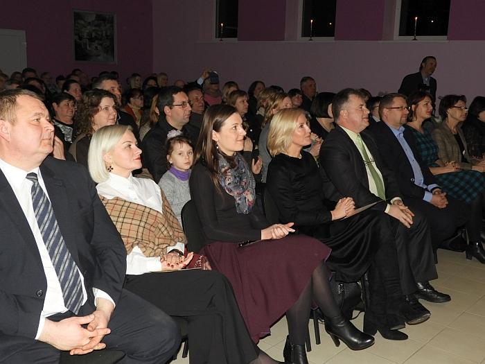 Scenos entuziastams iš Anciūnų, Kiauklių ir Zibalų dėkojo koncerto pažiūrėti susirinkę žiūrovai.