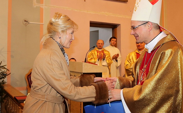 Šv. Mišiose dalyvavo vyskupas Arūnas Poniškaitis, dekano L. Klimo bendrakursis.