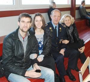 Ne veltui Lukiškių tardymo izoliatorius-kalėjimo direktoriaus pavaduotojas Vladas Lukša atvažiavo su žmona Vilma, o jo sūnus Tadas su drauge Audinga. Komanda KL laimėjo 1-ąją vietą.