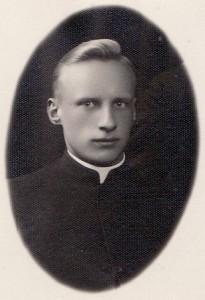 Alfonsas Ažubalis. Apie 1935 metus (Lietuvos centrinis valstybės archyvas. Kaisiadoriumuziejus.lt)