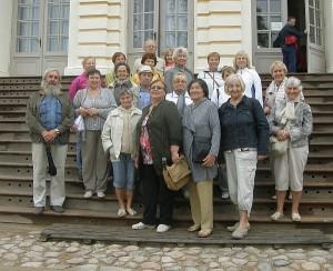 Širvintų senjorų nuotaika puiki: aplankyti Rundalės rūmai, didžiulis parkas.