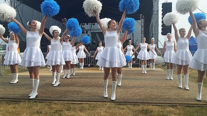 Prieš oficialią dalį vyko orkestro ir šokėjų iš Rosturzewo pasirodymas.