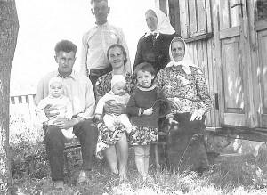 Lučiūnų šeima apie 1965-uosius.