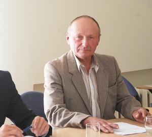 Darbo partijos Alfonsas Romas Maršalka kreipėsi su pasiūlymu dėl rinkėjų, kurie gyvena toli nuo rinkimų apylinkės balsavimo patalpų ar dėl kitų priežasčių, galinčių trukdyti rinkėjams atvykti į balsavimo patalpas, pavėžėjimo organizavimo.