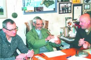 Eksponatus vertina medžioklės trofėjų vyresnysis ekspertas Raimundas Beinoras, tarptautinės kategorijos trofėjų ekspertas dr. Rimantas Baleišis ir jaunesnysis medžioklės trofėjų ekspertas Vaclovas Četrauskas.