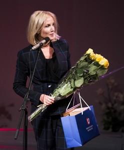 Meno mokyklos bendruomenę jubiliejaus proga pasveikino Širvintų rajono merė Živilė Pinskuvienė.