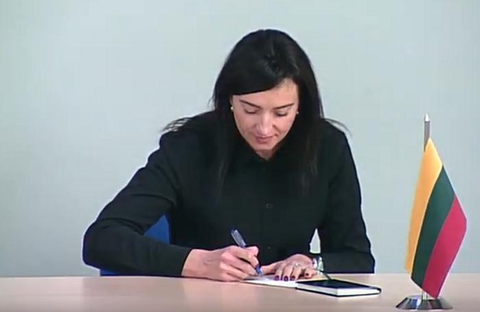 VRK prisiekia Jūratė Meškutavičienė.