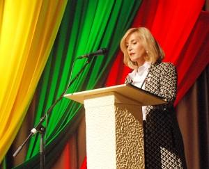 Sveikinimo žodį taria Širvintų rajono savivaldybės merė Živilė Pinskuvienė.