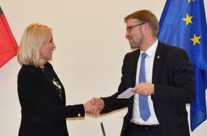 Ministras susitikimo metu pasidžiaugė, kad Širvintų r. savivaldybės merė deda dideles pastangas tiesiogiai dirbdama ir su Vyriausybės nariais.