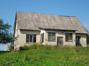 Prieš daugiau nei 30 metų uždaryta Beivydžių pradinė mokykla vis dar laukia savo tikrojo šeimininko. Ar besulauks?