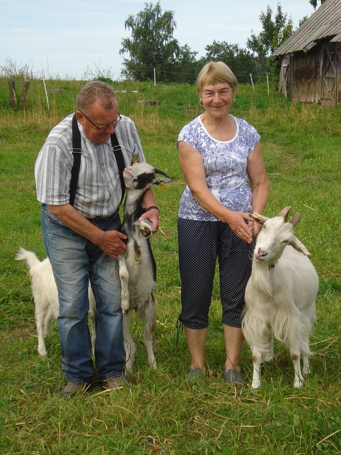 Šeimininkai kviečia širvintiškius su vaikais užsukti ir pasidžiaugti mielais gyvulėliais.