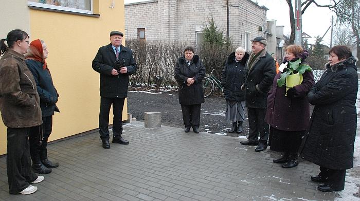 Kooperatyvo direktorius Vytautas Stundžia pasidžiaugė, kad per trumpą laiką pavyko atremontuoti Musninkų parduotuvės pastatą.