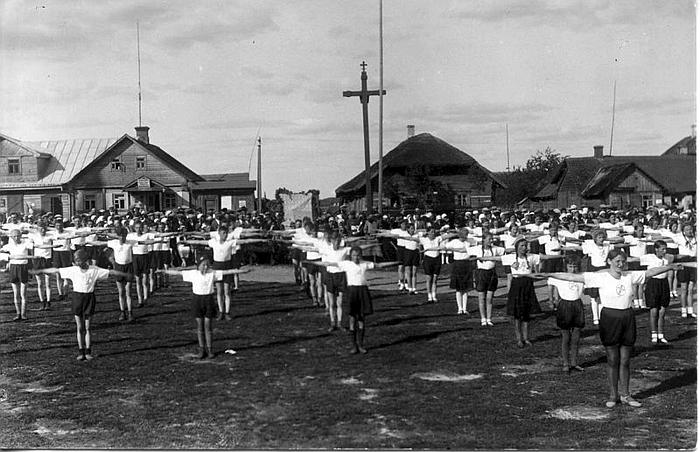 Musninkų sporto šventė. 1931 m. (limis.lt)