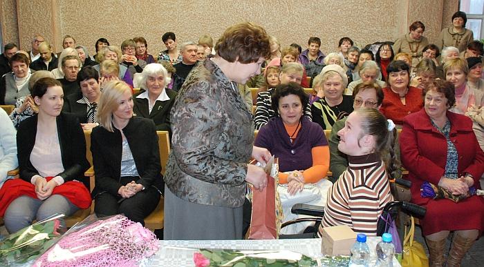 Už gerą širdį ir visokeriopą pagalbą dėkoja Aldona Vachmistrovičiūtė.