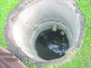 Tokių nuotekų šulinių ten, kur įrengti modernūs vandentiekio ir nuotekų tinklai, jau neturėtų būti.