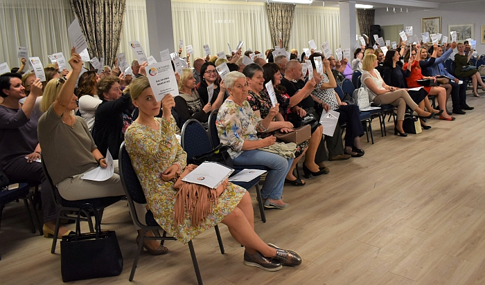 Gausiai į skyriaus steigiamąjį susirinkimą susirinkę širvintiškiai vienbalsiai pirmininke išrinko Živilę Pinskuvienę.