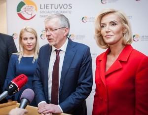 LSDDP pirmininkas Gediminas Kirkilas ir pavaduotojos - Živilė Pinskuvienė (dešinėje) ir Ingrida Baltušytė-Četrauskienė
