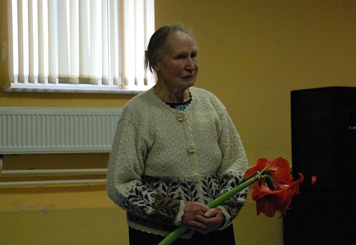 Knygos autorių pasveikinti atėjo buvusi lietuvių kalbos mokytoja, kraštotyrininkė, visuomenininkė, Igno Šeiniaus premijos laureatė Filomena Vaicekauskienė.