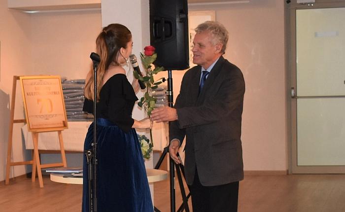 Širvintų vyrų markę prancūzų aktorės ir dainininkės akyse pakėlė prisiekęs vietos dainininkas Borisas Sockis.