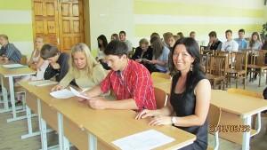 Širvintų Lauryno Stuokos-Gucevičiaus gimnazijos ugdymo karjerai koordinatorė Renata Žygienė su ugdytiniais.