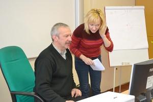 Gelvonų vidurinės mokyklos ugdymo karjerai koordinatorius Sigitas Miknevičius ir Širvintų rajoną kuruojanti karjeros konsultantė Vilma Gudeikaitė.