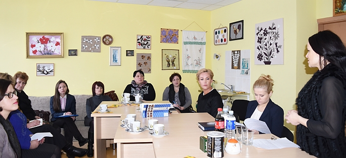 Su naująja įstaigos vadove  Jurgita Pukaite ir socialinėms darbuotojomis, dirbančiomis su socialinės rizikos šeimomis, išsamiai aptarta probleminių rajono šeimų situacija.