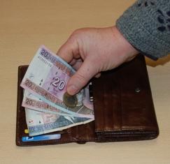 38 rajono šeimoms nuo šių metų kovo mėnesio vaiko pinigai buvo mokami neteisėtai.
