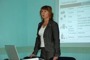 """Su galimybėmis ir sąlygomis gauti paskolą būsto modernizavimui supažindino banko """"Swedbank"""" atstovė Edita Rimokaitytė."""