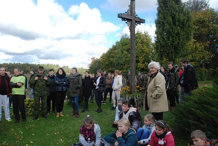 Pigonių kaime vietinė gyventoja Albina Lisauskienė papasakojo apie čia vykusį inirtingą mūšį tarp partizanų ir stribų.