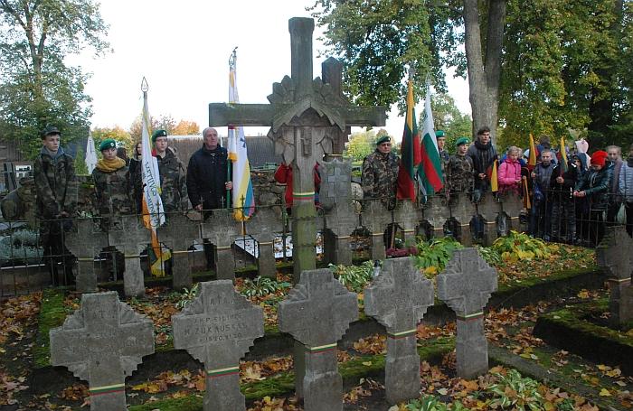 Širvintų kapinėse buvo pagerbti kariai, žuvę 1919-1920 metų Nepriklausomybės kovose.