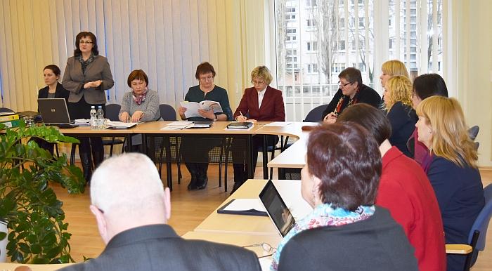 Savivaldybėje svarstomas 2016 m. biudžeto projektas. Dalyvauja Savivaldybės ir Administracijos, rajono mokyklų vadovai, finansų ir švietimo specialistai.