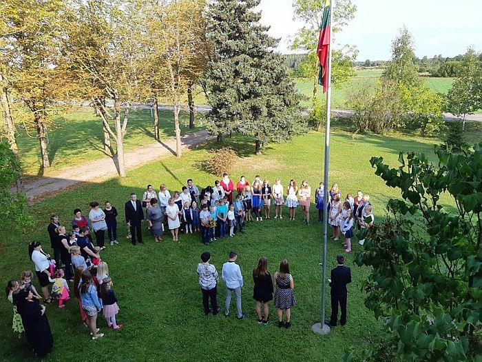 Mokslo metų šventė Širvintų r. Barskūnų pagrindinėje mokykloje