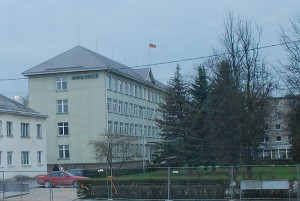 Nuo valdininkų pertekliaus Širvintų savivaldybės administracijos pastatas braška per siūles?