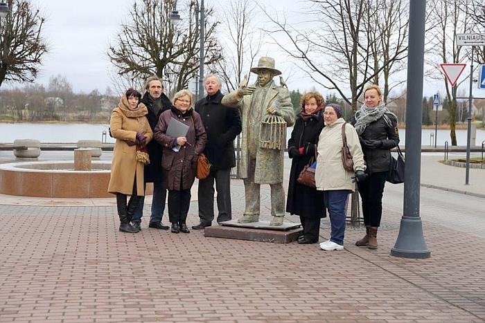 Sekmadienį I. Šeiniaus alėjoje buvo ieškoma galutinio sprendimo, kurioje vietoje turėtų stovėti paminklas.